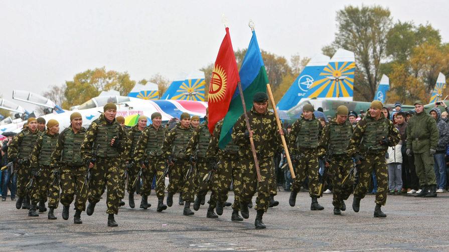 На российской авиабазе в городе Канте (Киргизия).