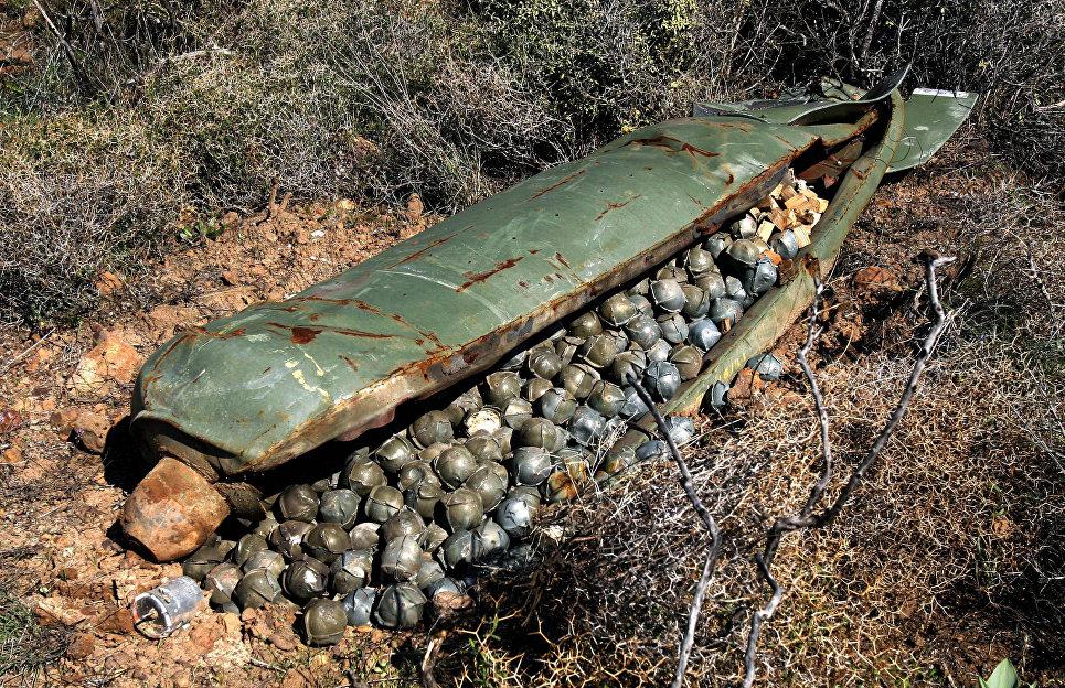 Кассетная бомба израильской армии, сброшенная на Ливан 9 ноября 2006 года.