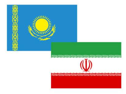 Флаги Ирана и Казахстана.