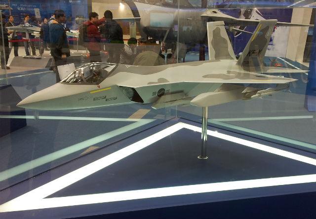 Модель южнокорейского перспективного истребителя национальной разработки по программе KFX компании ADD.