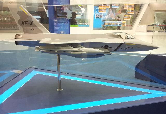 Модель южнокорейского перспективного истребителя национальной разработки по программе KFX компании KAI.
