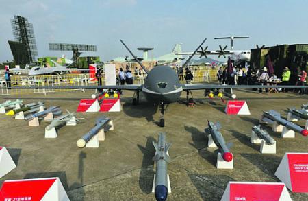"""Китайские беспилотники """"Вин Лун II"""" могут нести широкий набор авиационных средств поражения. Фото с сайта www.news.cn"""
