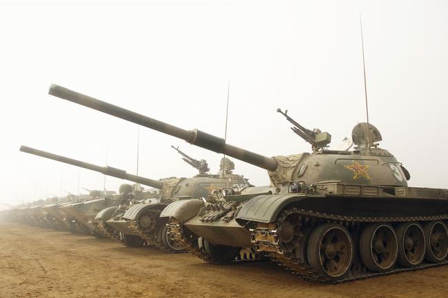 Китайские танки Тип 59 (копия советской боевой машины 50-х годов Т-54А).