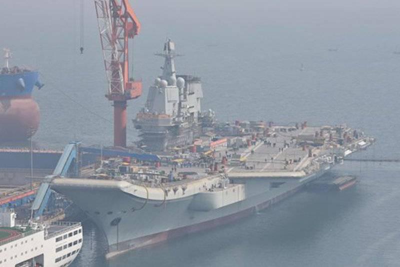 Первый китайский авианосец отечественной постройки проекта Type 001A готовится к ходовым испытаниям на верфи Dalian Shipbuilding Industry Company (DSIC).
