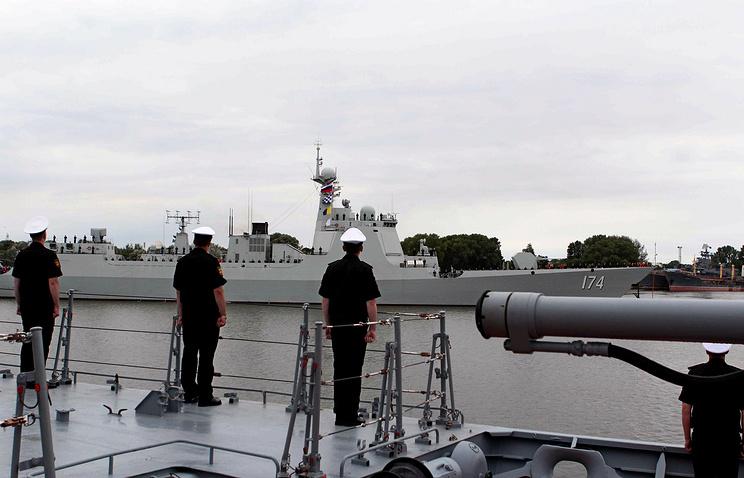 "Китайский эсминец ""Хэфэй"" (проект 052D) в Балтийске."