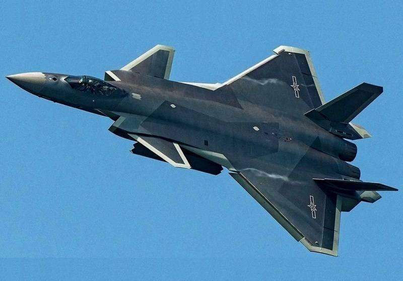 """Китайский истребитель пятого поколения """"Цзянь-20"""" (J-20),."""