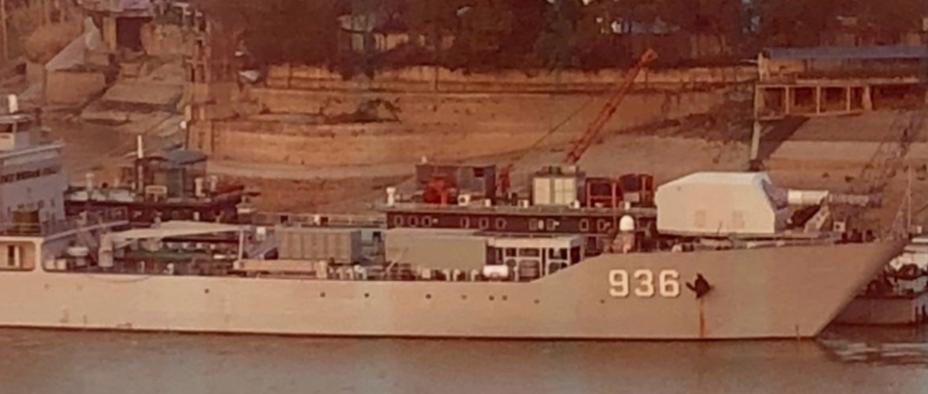 Предполагаемый рельсотрон на борту корабля Huanggang Shan.