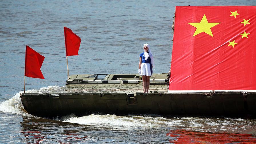Китайское судно во время соревнований в рамках Армейских международных игр, 2016 год.