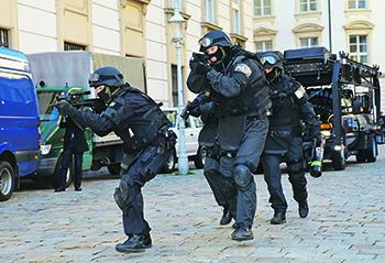 """""""Кобра"""" тренируется обезвреживать террористов в городских условиях. Фото с сайта <a href=""""http://www.bmi.gv.at"""">www.bmi.gv.at</a>"""