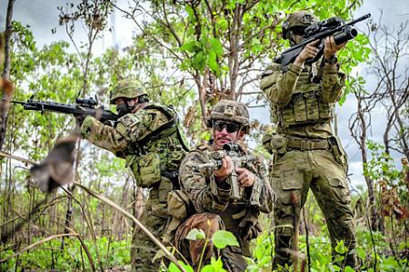 Командование ССО США считает, что вооружение спецназа должно быть компактным и взаимозаменяемым. Фото с сайта www.marines.mil