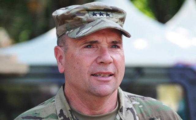 Командующий сухопутными войсками Вооруженных сил США в Европе генерал-лейтенант Фредерик Бен Ходжес