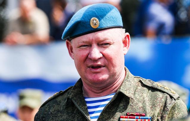 Командующий Воздушно-десантными войсками РФ Андрей Сердюков