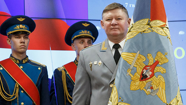 Командующий Воздушно-десантными войсками РФ генерал-полковник Андрей Сердюков. Архивное фото.