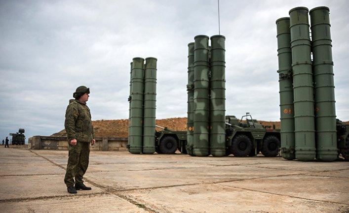 """Комплекс ПВО С-400 """"Триумф"""" заступил на боевое дежурство в Севастополе."""