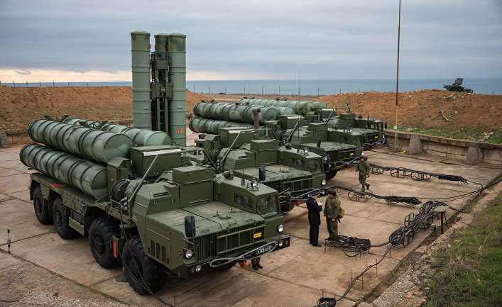 """Комплекс ПВО С-400 """"Триумф"""" заступил на охрану российских воздушных границ в Севастополе."""