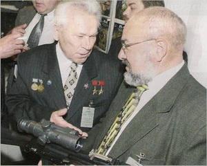 Калашников Михаил Тимофеевич - Родился 10 ноября 1919 года в селе Курья Алтайского края