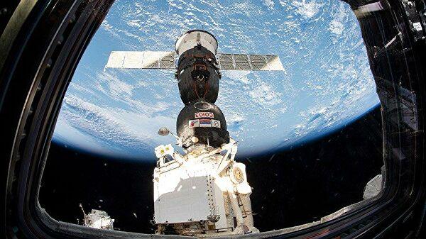 """РКК """"Энергия"""" при новом руководителе разработает концепцию новой орбитальной станции - Рогозин"""