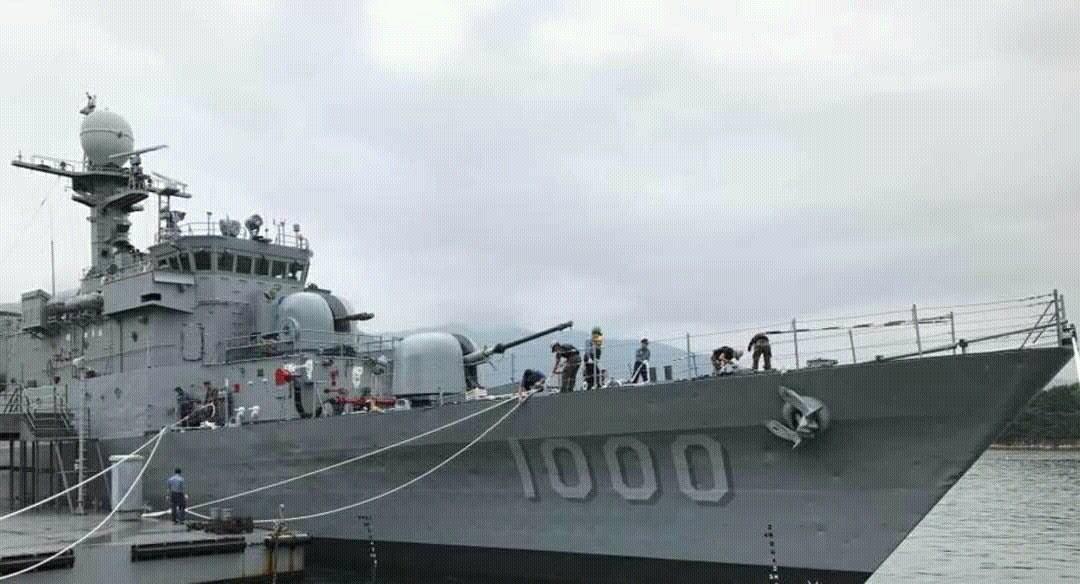 """Подготовленный к передаче Египту выведенный из состава ВМС Южной Кореи корвет PCC 763 Jinju (типа Pohang). Корабль уже получил египетский бортовой номер """"1000""""."""