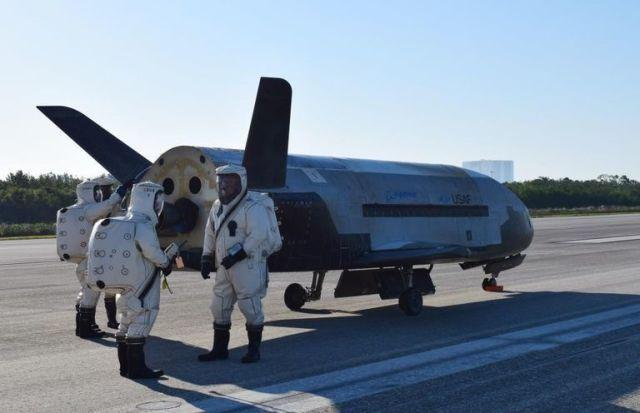 Космический беспилотник X-37B, который станет частью арсенала Космических сил