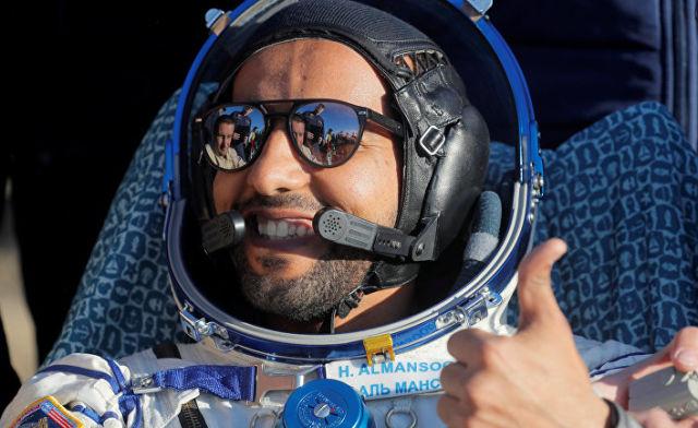 Космонавт из ОАЭ Хаззаа Аль Мансури