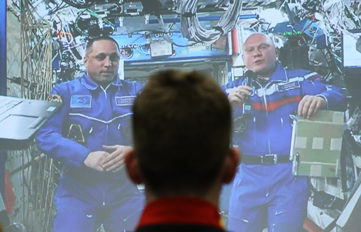 Космонавты Роскосмоса Олег Артемьев и Антон Шкаплеров.