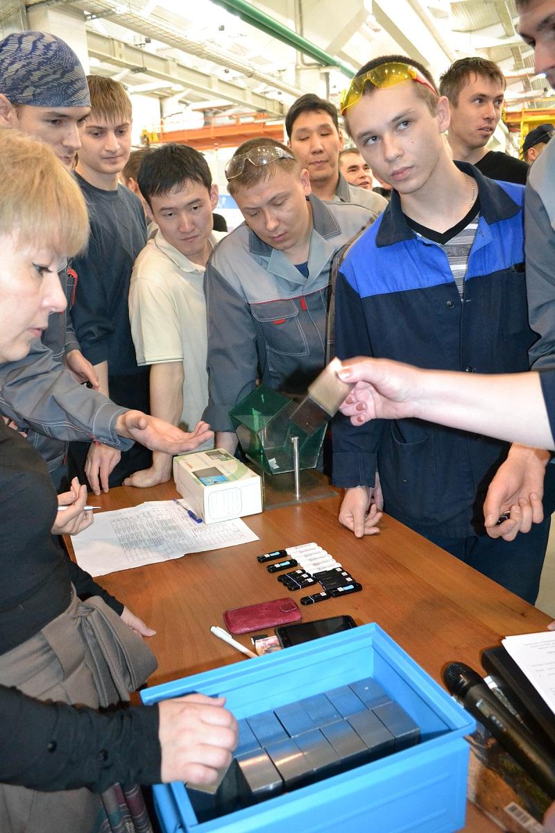 Конкурс профмастерства на высокопроизводительном оборудовании на Улан-Удэнском авиационном заводе.