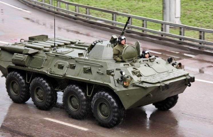 Бронемашина БТР-80.