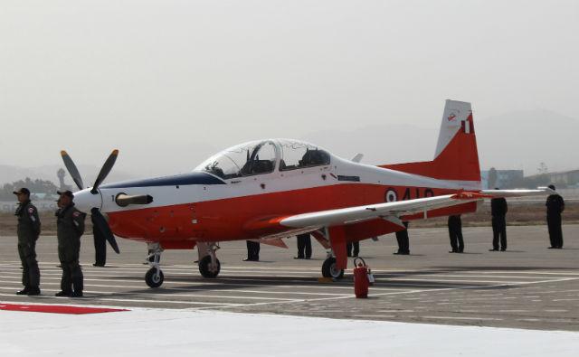 Учебно-тренировочный самолет Korea Aerospace Industries (KAI) KT-1 для оснащения ВВС Перу, собранный перуанской компанией Seman.