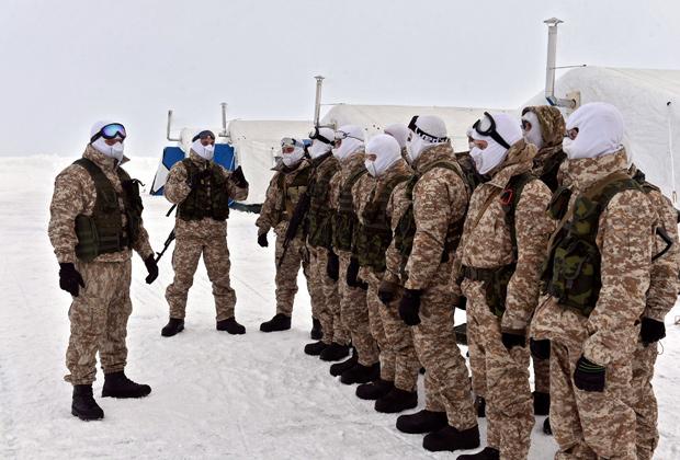 В течение 2016 года в войска будет поставлено 4000 комплектов арктической формы