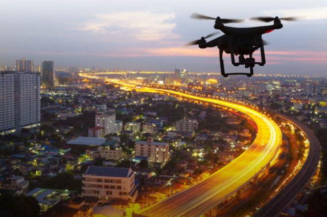 Квадрокоптеры, по уверению Росреестра, будут следить за нарушениями прав на землю.
