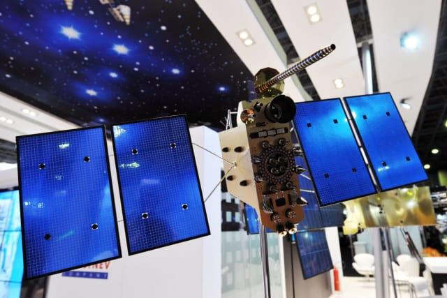 """На стенде компании """"Информационные спутниковые системы"""" имени Решетнева"""" на выставке LAAD 2017."""