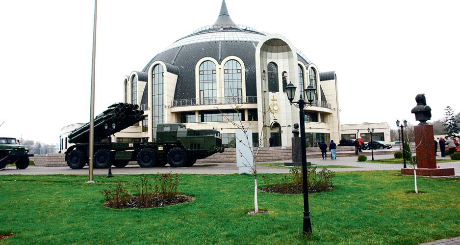 Легендарные разработки КБП – в открытой экспозиции Тульского государственного музея оружия. Фото Олега Фаличева.