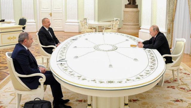 Лидеры России, Армении и Азербайджана встретились в трехстороннем формате