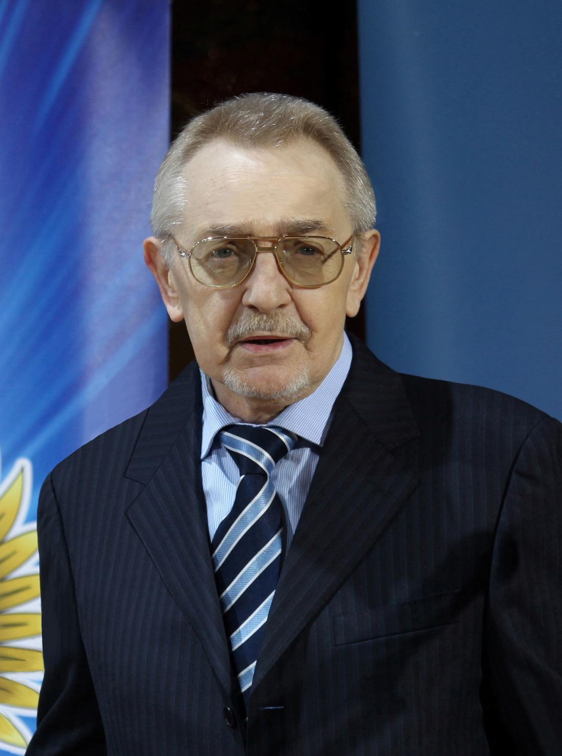 Виктор Владимирович Ливанов