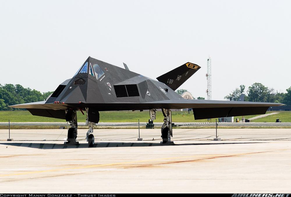Тактический ударный самолет Lockheed F-117A Nighthawk ( регистрация 85-0819, серийный номер A.4049) ВВС США, 20.05.2006
