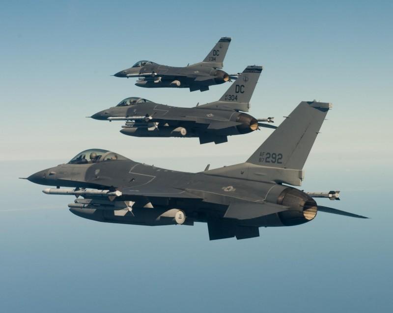 Истребители F-16 ВВС Национальной гвардии США.