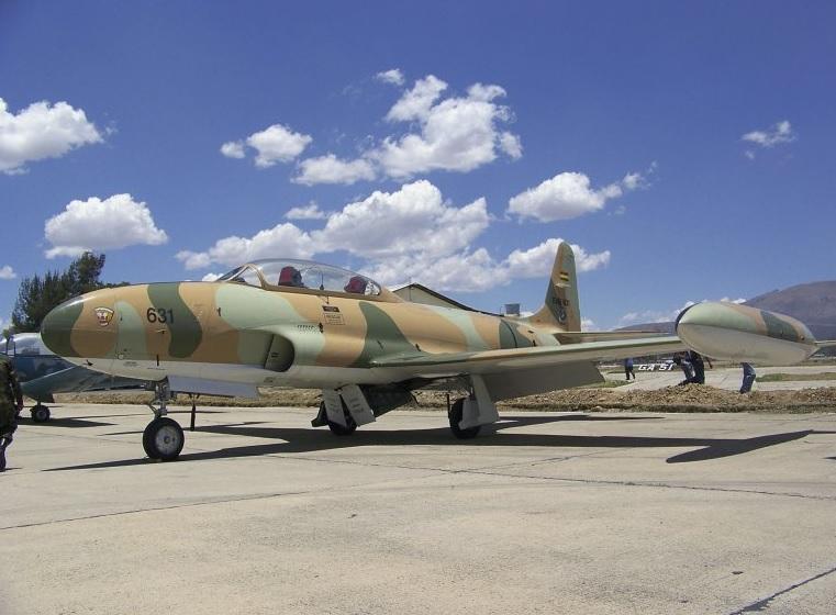 Один из четырех последних снятых с вооружения ВВС Боливии учебно-боевых самолетов Lockheed T-33AN Shooting Star (Сanadair Silver Star Mk III) (бортовой номер FAB-631, серийный номер 211). Эль-Альто (Ла-Пас), 31.07.2017.