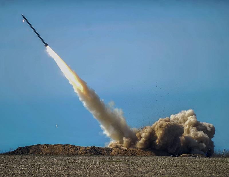 """Испытания украинского ракетного комплекса """"Ольха""""."""
