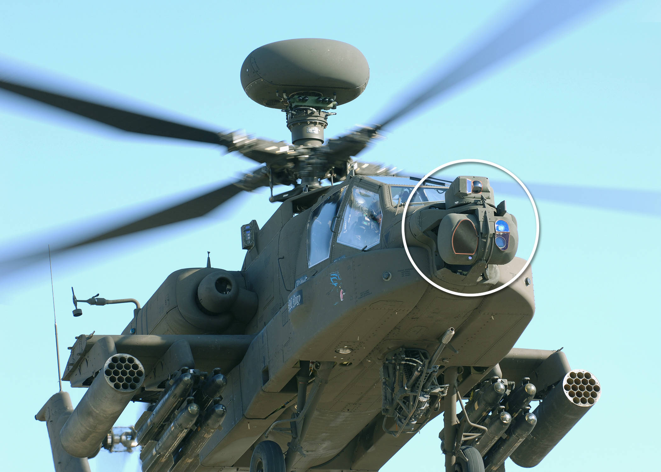 Ударный вертолет АН-64 Apache с прицельной системой M-TADS/PNVS (Modernized Target Acquisition Designation Sight/Pilot Night Vision Sensor).