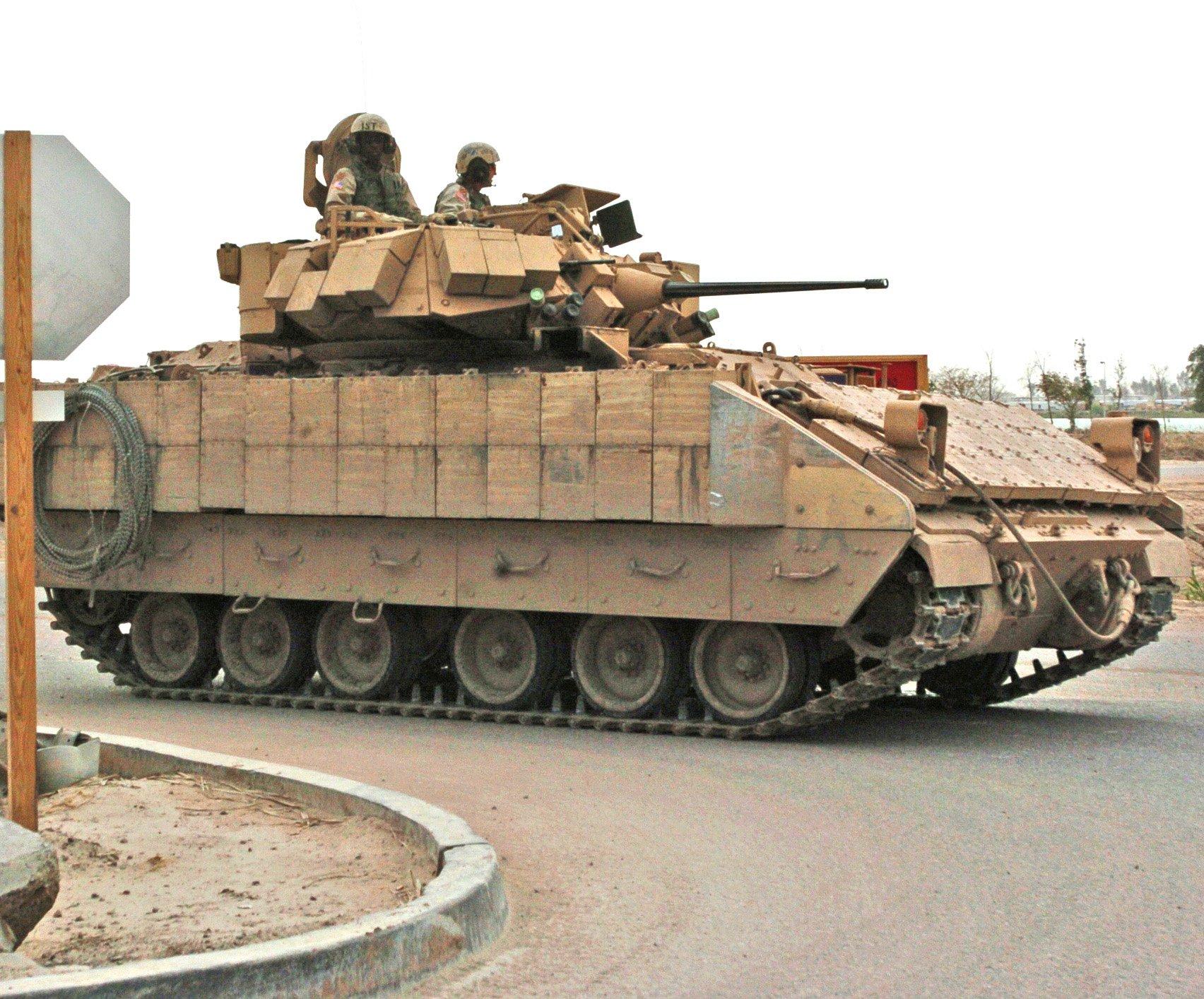 БМП M2 Bradley.