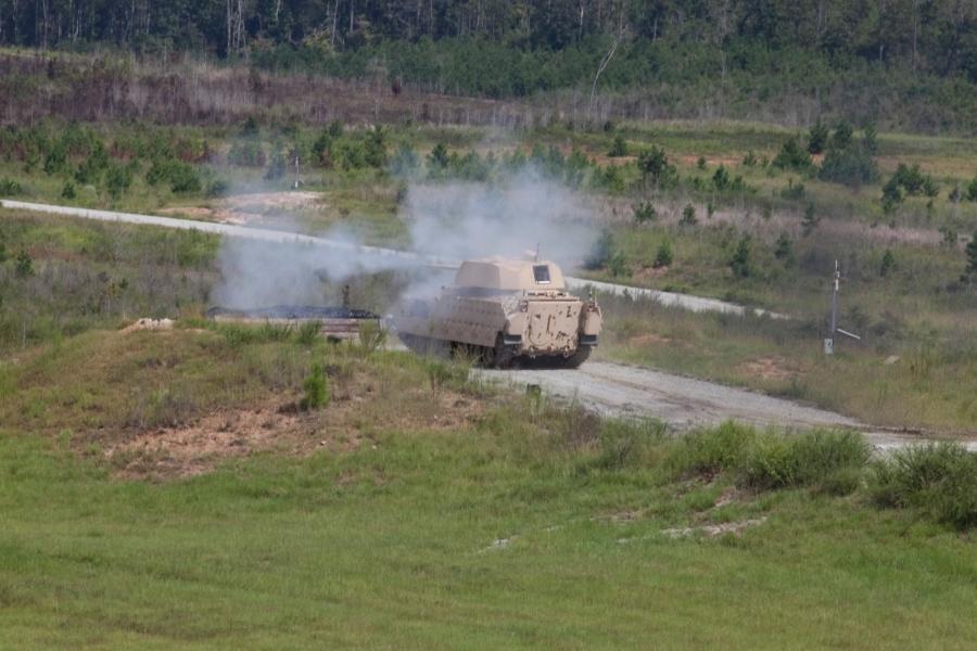 Боевая машина пехоты M2 Bradley с башней, которая очень похожа на необитаемую башню компании Kongsberg.