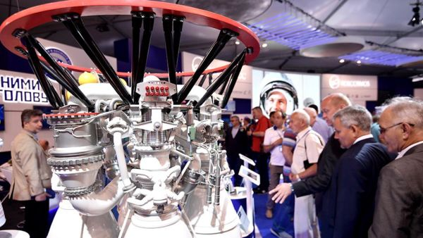 Макет ракетного двигателя РД-171
