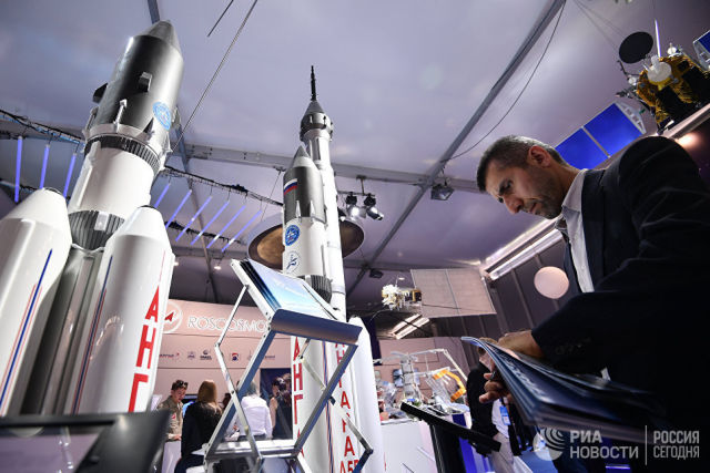 Макеты ракет-носителей Ангара. Архивное фото