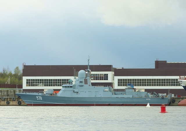 Малые ракетные корабли «Охотск» и «Вихрь» прибуксированы для достройки на завод «Пелла»