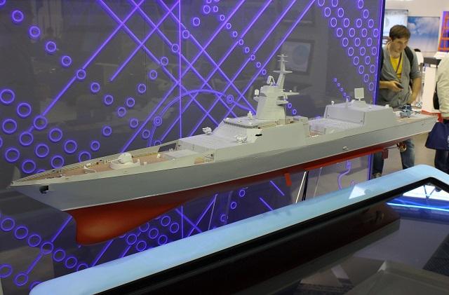 Масштабная модель усовершенствованного фрегата пр. 22350 с увеличенным количеством ячеек УВП и мачтой нового типа.