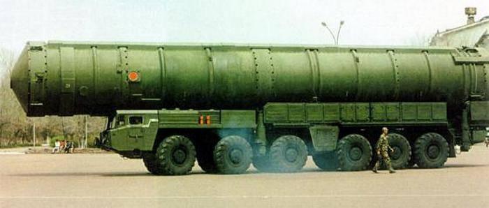Китайская межконтинентальная баллистическая ракета (МБР) DF-41 (CSS-X-10 по классификации НАТО).