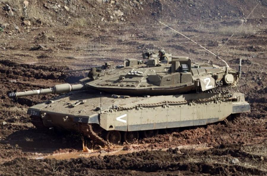Танк Merkava Mk 4 израильской армии на границе с Сирией. Ноябрь 2012 года.