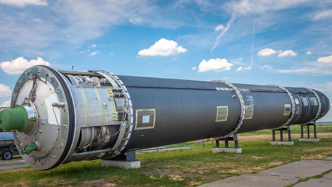 Размер имеет значение: КНДР показала гигантскую баллистическую ракету