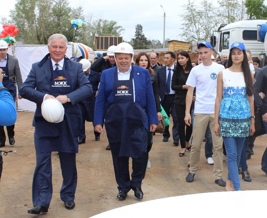 Церемония закладки первого камня в основание дома корпоративного ведомственного жилья по программе МЖК для работников У-УАЗ.