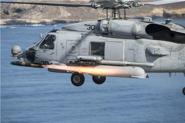 Вертолет MH-60S.